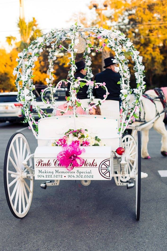 Cinderella Coach Classic Horse Carriage Available For Weddings